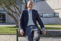 Prof. Carlos Borrego