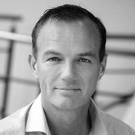 Roland Hallebeek (CEO)